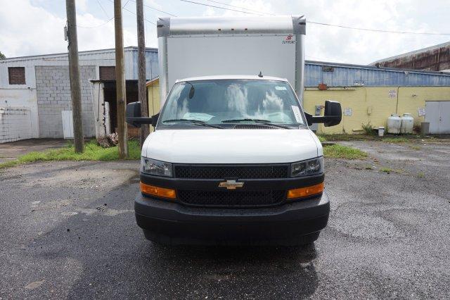 2018 Express 3500 4x2,  Supreme Cutaway Van #8G58 - photo 4