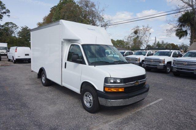2018 Express 3500 4x2,  Rockport Cargoport Cutaway Van #8G95 - photo 5