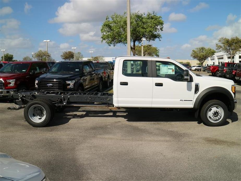 2017 F-550 Crew Cab DRW 4x4, Cab Chassis #14216 - photo 3