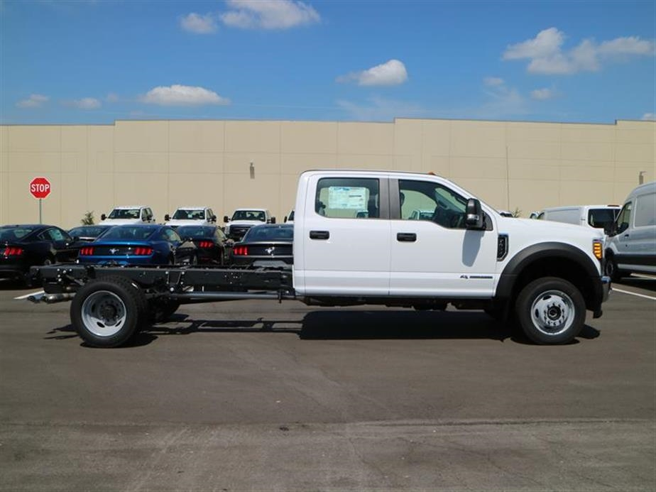 2017 F-450 Crew Cab DRW 4x4, Cab Chassis #15525 - photo 3