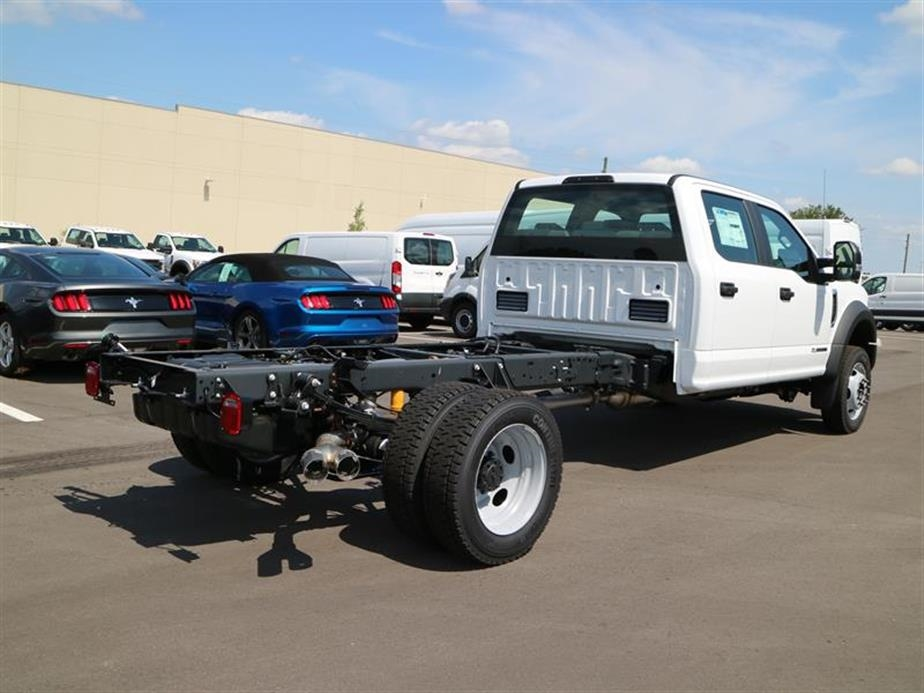 2017 F-450 Crew Cab DRW 4x4, Cab Chassis #15525 - photo 2