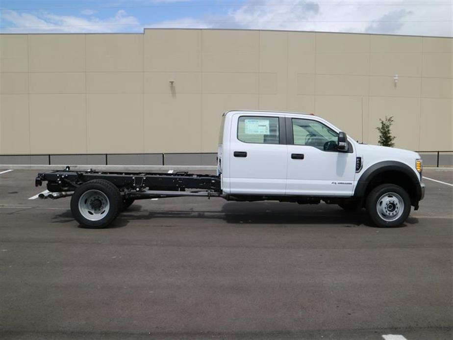 2017 F-450 Crew Cab DRW 4x4, Cab Chassis #15529 - photo 3