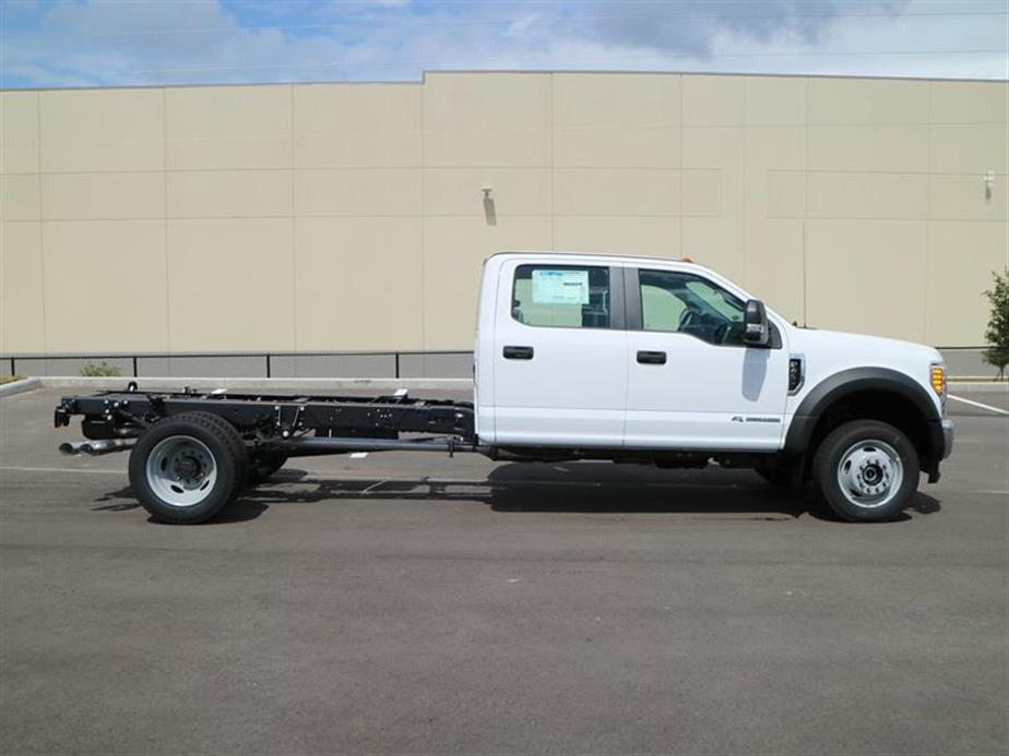 2017 F-450 Crew Cab DRW 4x4, Cab Chassis #15530 - photo 3