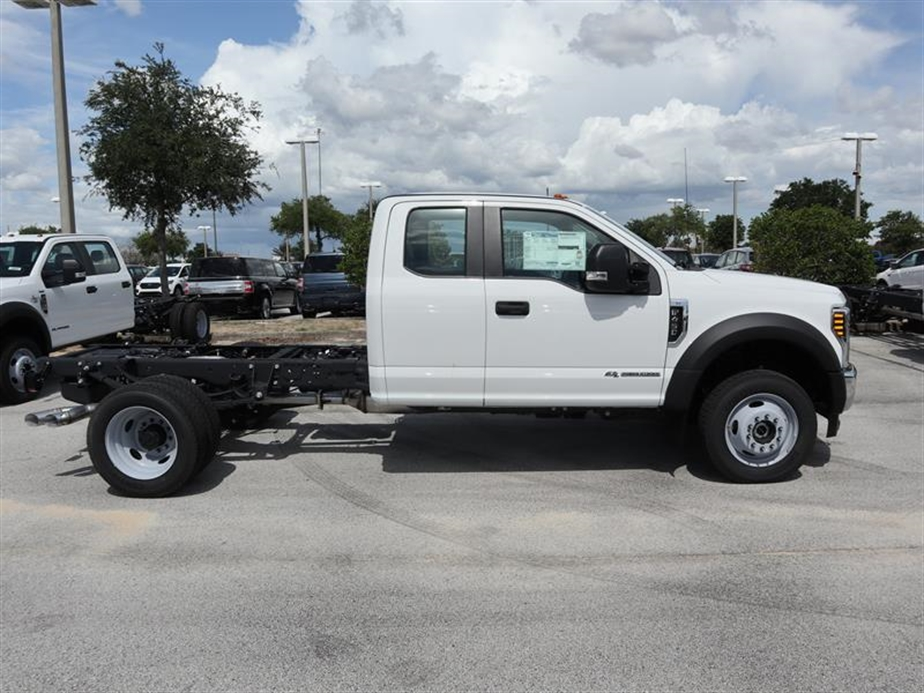 2018 F-450 Super Cab DRW 4x4,  Cab Chassis #19418 - photo 3