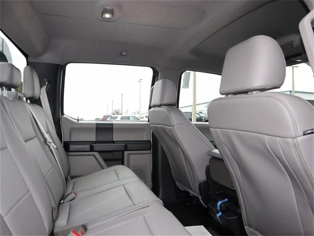 2019 F-450 Crew Cab DRW 4x4,  Platform Body #40563 - photo 9