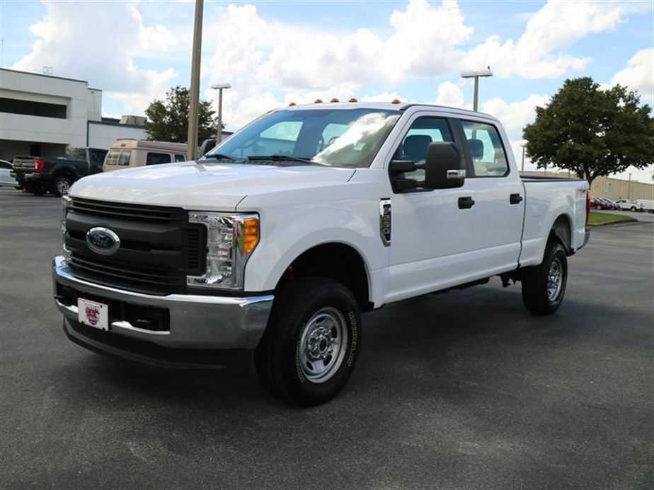 2017 F-250 Crew Cab 4x4, Pickup #A17133 - photo 4
