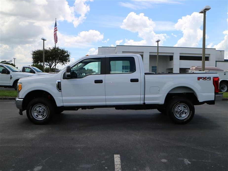 2017 F-250 Crew Cab 4x4, Pickup #A17133 - photo 5