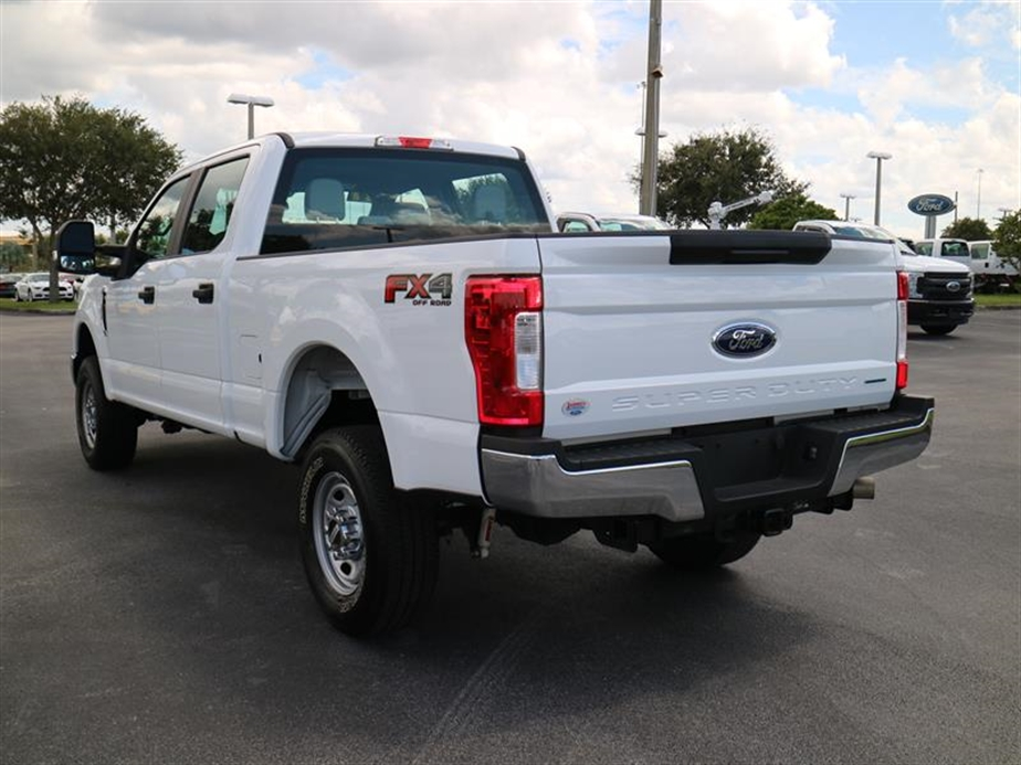 2017 F-250 Crew Cab 4x4, Pickup #A17133 - photo 6