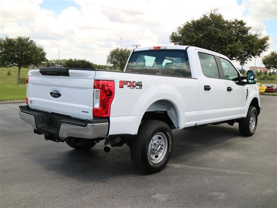 2017 F-250 Crew Cab 4x4, Pickup #A17133 - photo 2