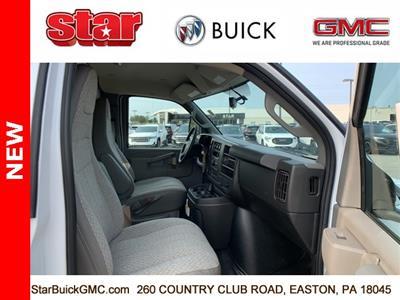 2020 GMC Savana 3500 4x2, Unicell Aerocell CW Cutaway Van #500069 - photo 9
