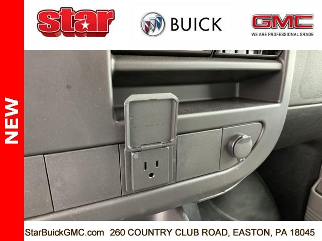 2020 GMC Savana 3500 4x2, Unicell Cutaway Van #500084 - photo 12