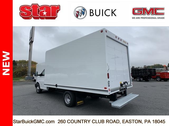 2020 GMC Savana 3500 4x2, Unicell Cutaway Van #500084 - photo 2
