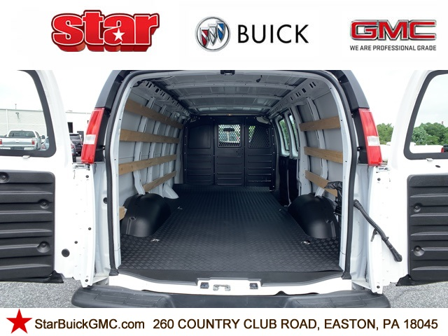 2018 GMC Savana 2500 4x2, Empty Cargo Van #7863 - photo 1