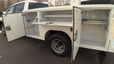 2021 GMC Sierra 3500 Crew Cab 4x4, Reading SL Service Body #Q21120 - photo 11