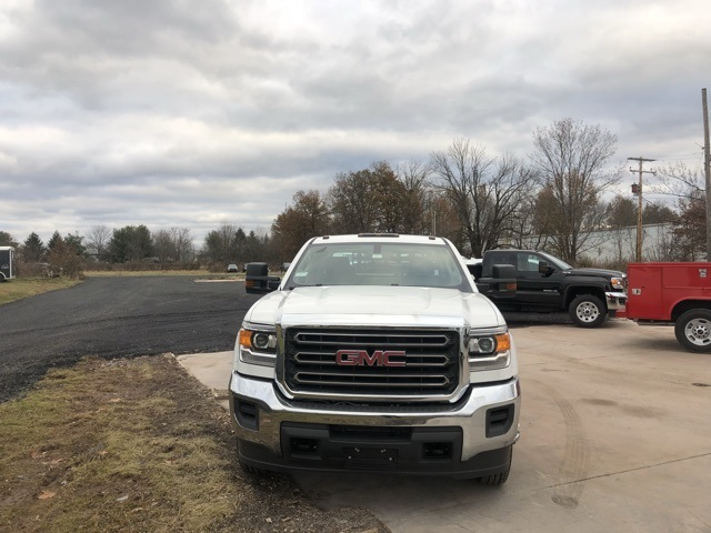 2017 Sierra 3500 Crew Cab DRW 4x4 Service Body #Q27123 - photo 4