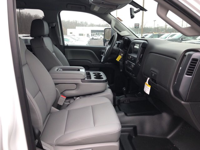 2018 Sierra 3500 Crew Cab 4x4, Pickup #Q28042 - photo 10