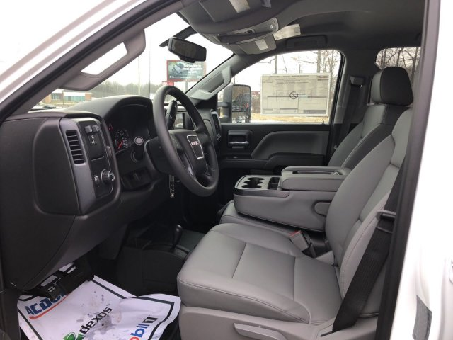 2018 Sierra 3500 Crew Cab 4x4, Pickup #Q28042 - photo 16