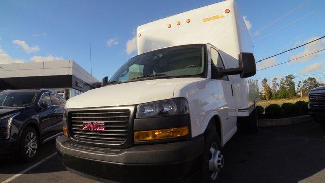 2020 GMC Savana 3500 4x2, Unicell Classicube Cutaway Van #Q50055 - photo 3