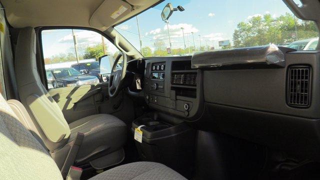 2020 GMC Savana 3500 4x2, Unicell Classicube Cutaway Van #Q50055 - photo 21