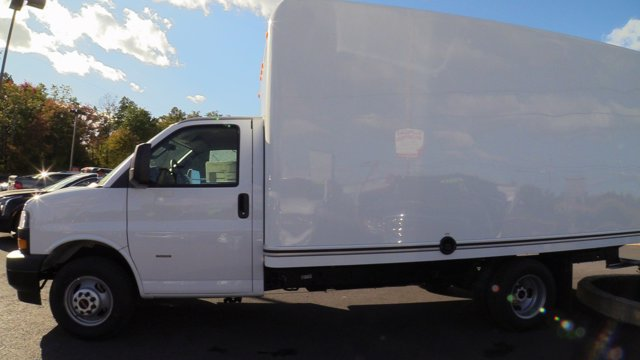 2020 GMC Savana 3500 4x2, Unicell Classicube Cutaway Van #Q50055 - photo 5