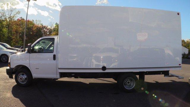 2020 GMC Savana 3500 4x2, Unicell Classicube Cutaway Van #Q50055 - photo 6