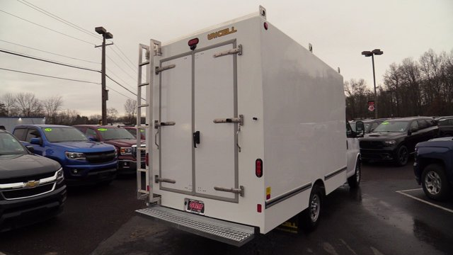 2020 GMC Savana 3500 4x2, Unicell Aerocell CW Cutaway Van #Q50077 - photo 2