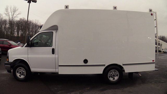 2020 GMC Savana 3500 4x2, Unicell Aerocell CW Cutaway Van #Q50077 - photo 6