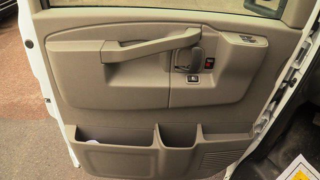 2020 GMC Savana 3500 4x2, Unicell Aerocell CW Cutaway Van #Q50087 - photo 21