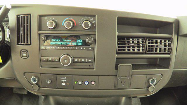2020 GMC Savana 3500 4x2, Unicell Aerocell CW Cutaway Van #Q50087 - photo 28