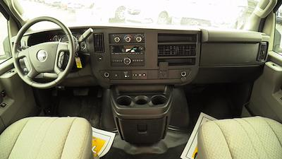 2020 GMC Savana 3500 4x2, Unicell Aerocell CW Cutaway Van #Q50087 - photo 16