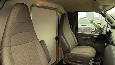 2020 GMC Savana 3500 4x2, Unicell Aerocell CW Cutaway Van #Q50087 - photo 17