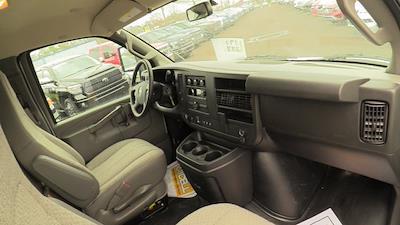 2020 GMC Savana 3500 4x2, Unicell Aerocell CW Cutaway Van #Q50087 - photo 18