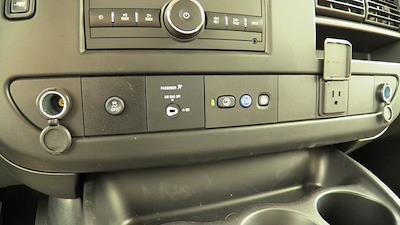 2020 GMC Savana 3500 4x2, Unicell Aerocell CW Cutaway Van #Q50087 - photo 30