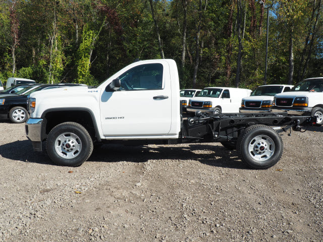 2016 Sierra 2500 Regular Cab 4x4, Cab Chassis #G16813 - photo 3