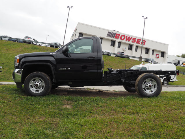 2016 Sierra 2500 Regular Cab 4x4, Cab Chassis #G16881 - photo 7