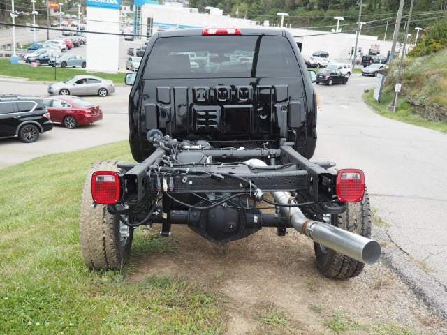 2016 Sierra 2500 Regular Cab 4x4, Cab Chassis #G16881 - photo 8
