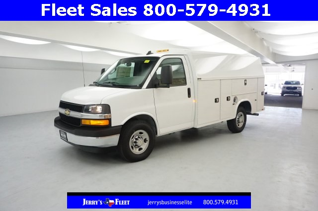 2017 Express 3500, Service Utility Van #H1342568 - photo 3
