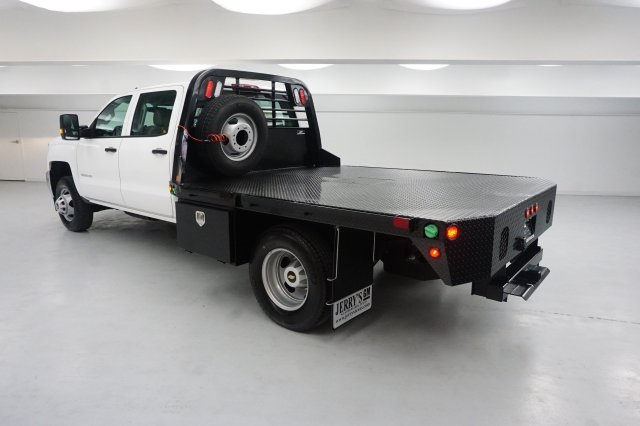 2018 Silverado 3500 Crew Cab DRW, Platform Body #JF129084 - photo 2