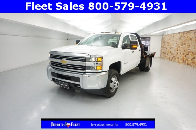 2018 Silverado 3500 Crew Cab DRW, Platform Body #JF147799 - photo 3