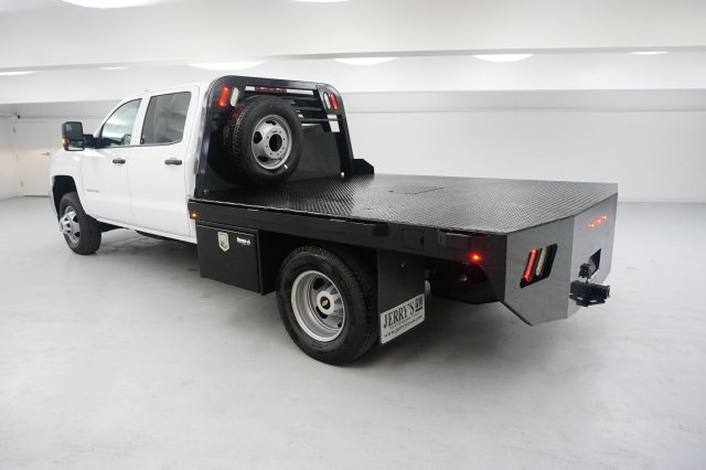 2018 Silverado 3500 Crew Cab DRW 4x4, Platform Body #JF177023 - photo 2
