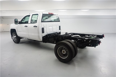 2018 Silverado 3500 Double Cab 4x2,  Cab Chassis #JZ338839 - photo 2