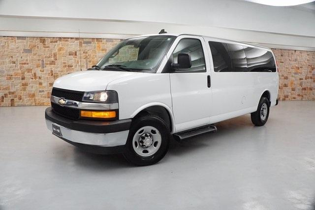2019 Chevrolet Express 3500 RWD, Passenger Wagon #K1234944 - photo 1