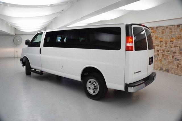 2019 Chevrolet Express 3500 RWD, Passenger Wagon #K1265526 - photo 1