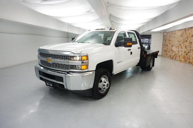 2019 Silverado 3500 Crew Cab DRW 4x4,  Platform Body #KF116063 - photo 3