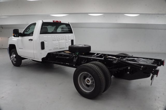 2019 Silverado 3500 Regular Cab DRW 4x4,  Cab Chassis #KF125157 - photo 2