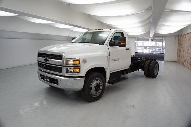 2019 Chevrolet Silverado 5500 Regular Cab DRW RWD, Cab Chassis #KH885957 - photo 1
