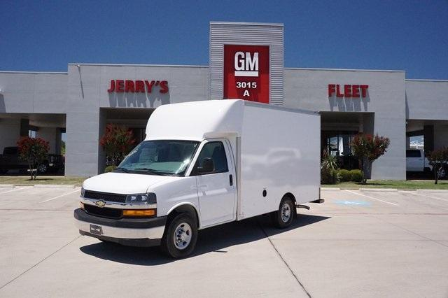 2020 Chevrolet Express 3500 RWD, Supreme Cutaway Van #L1205891 - photo 1