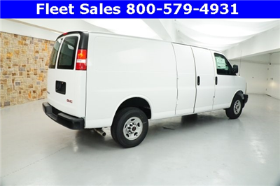 2017 Savana 2500 Cargo Van #H1327999 - photo 3