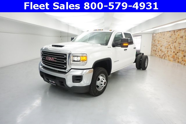 2018 Sierra 3500 Crew Cab 4x4 Cab Chassis #JF150644 - photo 3