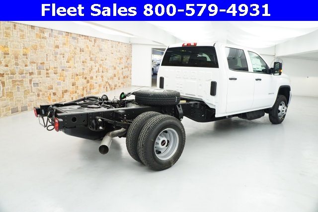 2018 Sierra 3500 Crew Cab 4x4 Cab Chassis #JF153232 - photo 2